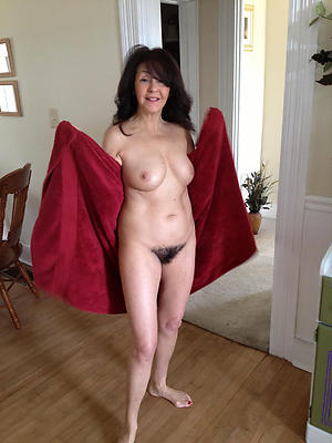 hairy mature woman free pics
