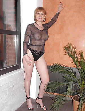 mature women in stockings and heels sex pics