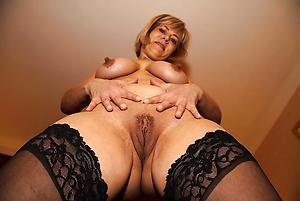 xxx mature natural women