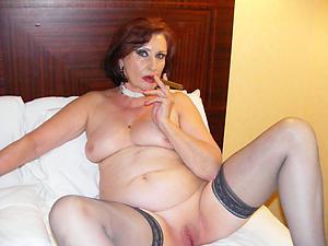 stripped amateur mature women nude