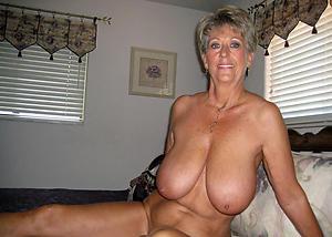 mature amateur photo love posing nude