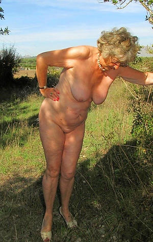sex galleries of mature amateur nude