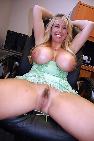 older women with big tits free pics