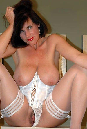 grown-up women with big tits love porn