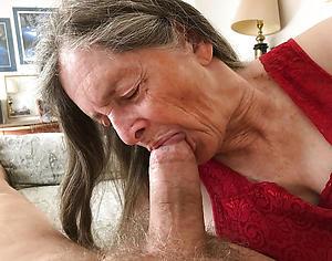 horny women giving blowjobs