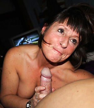 busty sexy women giving blowjobs