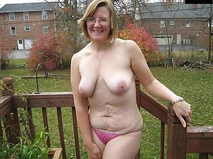 chubby defoliated women posing defoliated