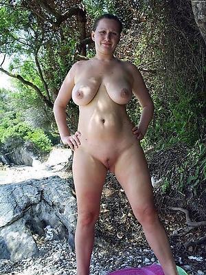 nude women outdoors
