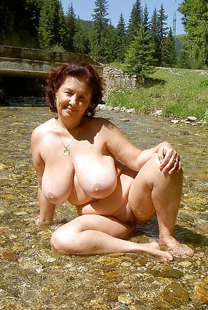 granny at the beach love posing nude