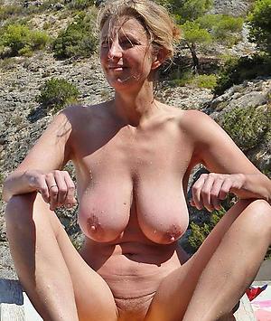 sexy women on beach amateur pics