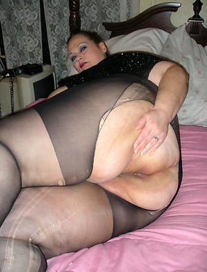 free pics be beneficial to mature in pantyhose