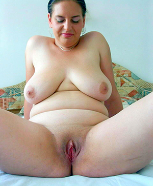 hotties granny playing with pussy