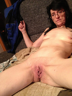amazing  full-grown shaved pussy