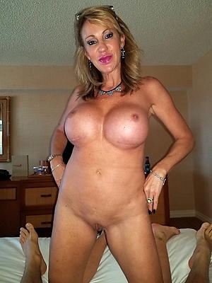 grown-up shaved pussy porn images