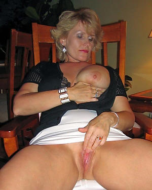 mature shaved pussy nude photo
