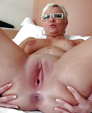 grown up shaved pussy amateur pics