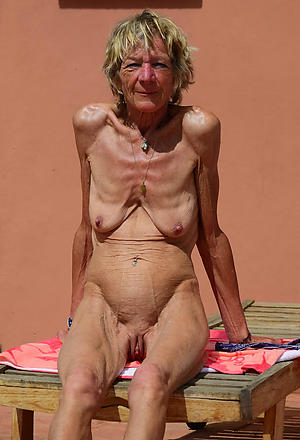 skinny granny shaved pussy porn pictures