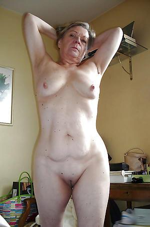 elder statesman women small tits private pics