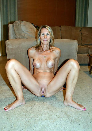 hotties solo women masterbating