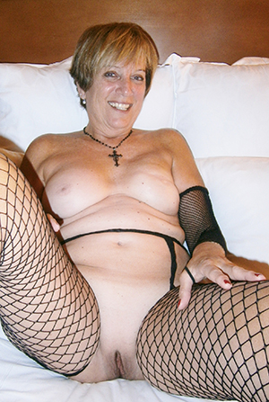 naughty sexy mature women in stockings