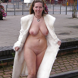 superannuated women with huge boobs love posing nude