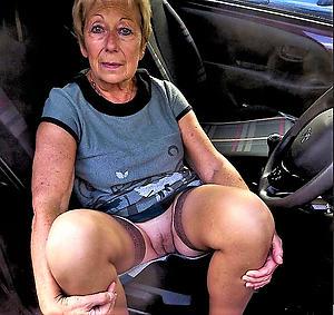 nice older woman upskirt