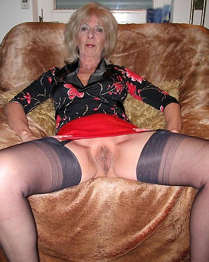 naked grown up upskirt pussy