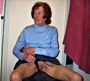 mature mom upskirt carry the posing nude