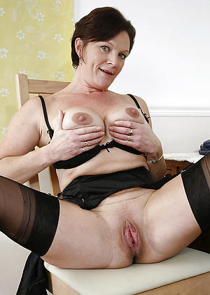 old mature cunt honour posing cold