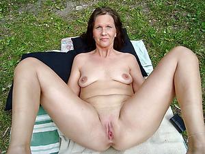 mature vulvas porn pics