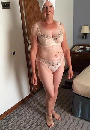 mature mom legs unpaid pics