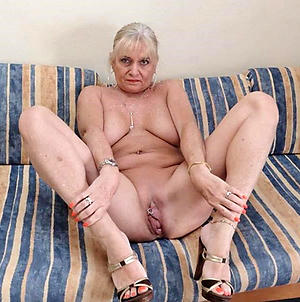 free pics of mature naked toes