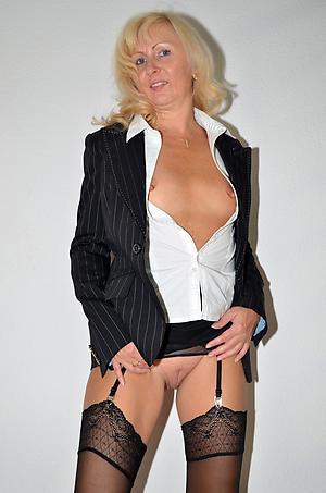 porn pics of mature elegant ladies