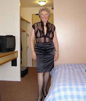 mature elegant ladies posing nude