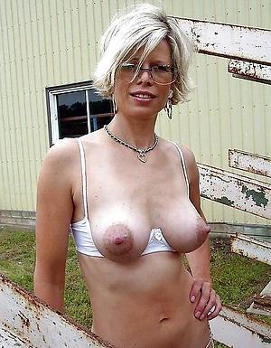 nude pics be advantageous to beautiful mature women