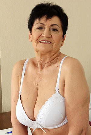 horny old mature wife pussy
