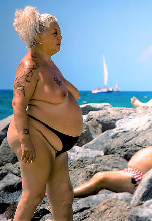 xxx old fat grannies nude pics
