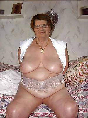 homemade grannys posing nude