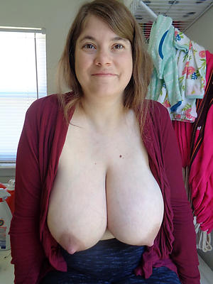 nude pics of mature big saggy breast