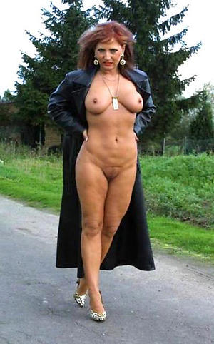 mature outdoor pussy free pics