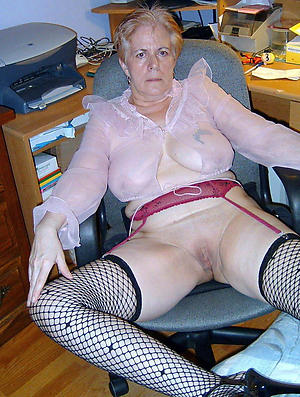 xxx pictures of old woman xxx