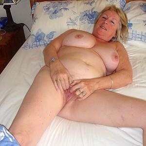nude old lady xxx
