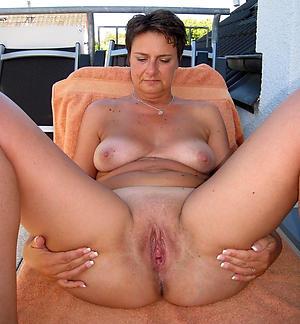 xxx aged woman love posing nude