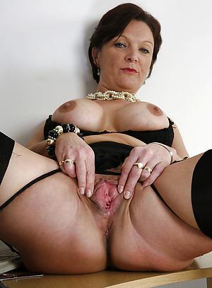 mature vulva porn pictures