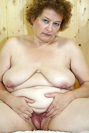 free pics of shaved granny pussy
