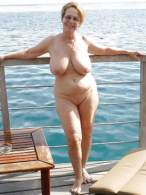 shaved granny pussy homemade pics