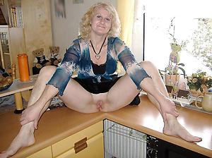 xxx granny with shaved pussy porn photo