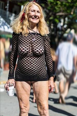 doyenne granny pussy porn pics