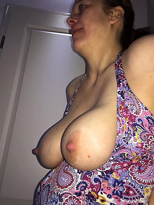 grannies with outstanding nipples amateur pics