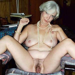 leader older ladies naked